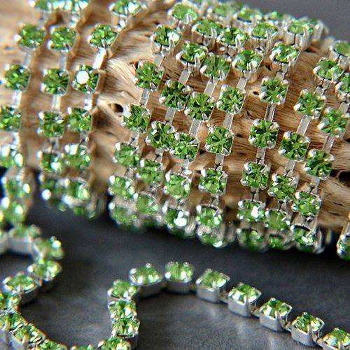 Rewelacyjny Taśma z kryształkami Preciosa ss 8,5 (~2,5 mm) Peridot / silver UV01